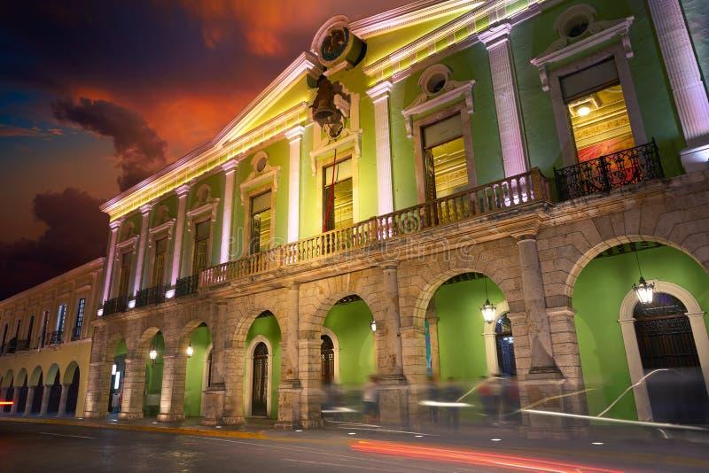 梅里达市尤加坦墨西哥拱廊弧  免版税库存照片