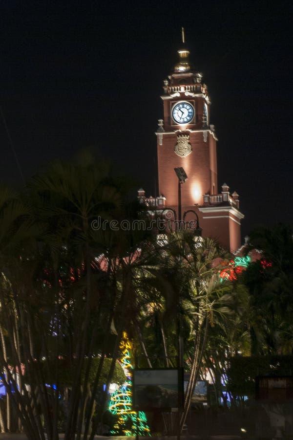 梅里达,尤加坦钟楼街市  免版税库存照片
