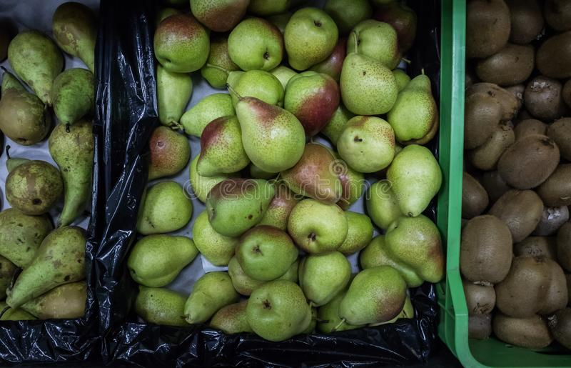梨在超级市场上 免版税库存图片