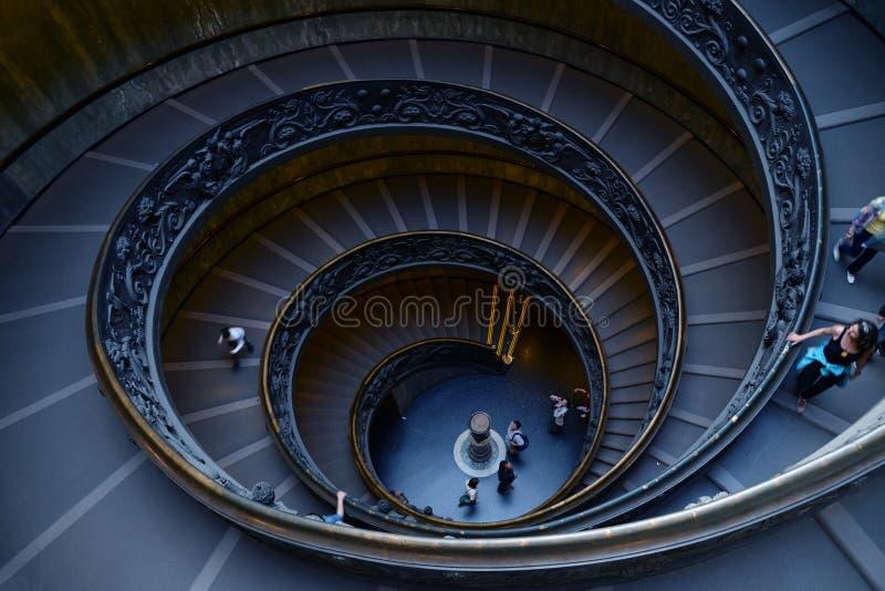 梵蒂冈博物馆的螺旋台阶在梵蒂冈,罗马,意大利 免版税库存照片