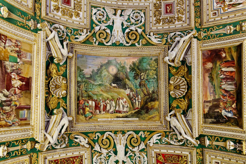 Download 梵蒂冈博物馆的画廊内部梵蒂冈的, R 图库摄影片. 图片 包括有 巡回表演者, 里面, 芳香迷人的, 欧洲 - 59101592