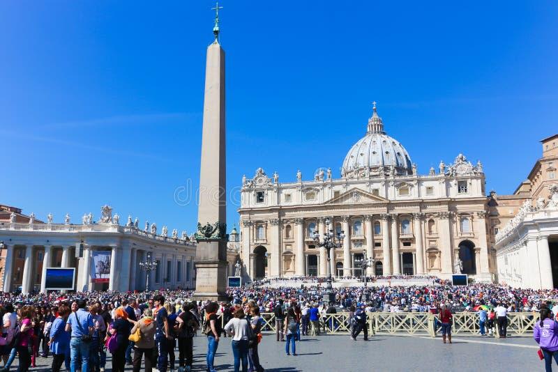 梵蒂冈-意大利的游人 免版税库存照片