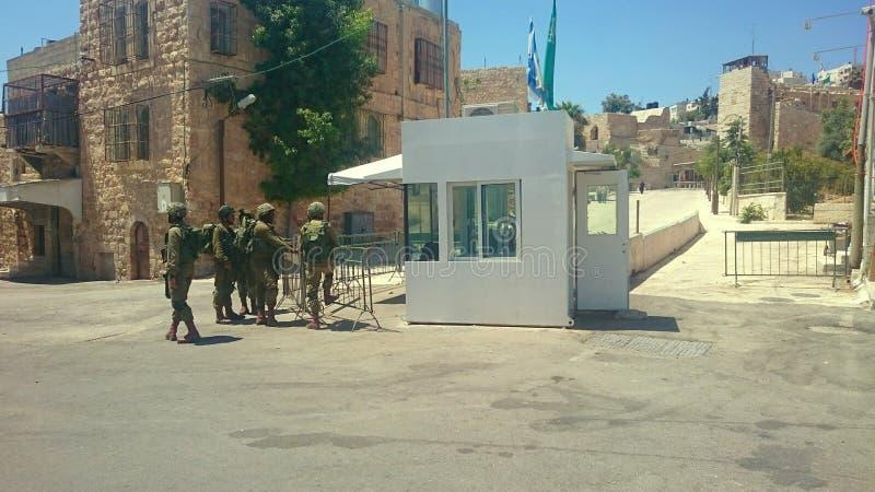 检查点希布伦以色列人战士 免版税库存照片