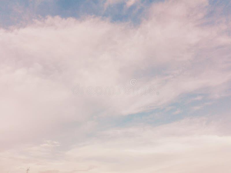 棉花糖天空,逗人喜爱的天空 免版税库存照片