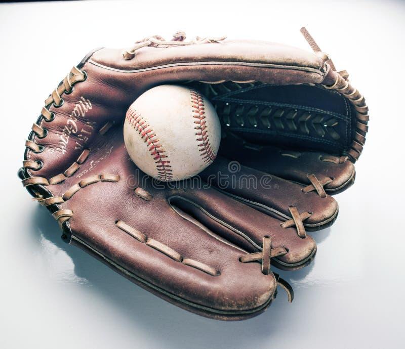 棒球手套球春天 免版税库存照片