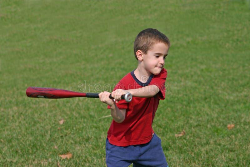棒球男孩使用 免版税库存照片