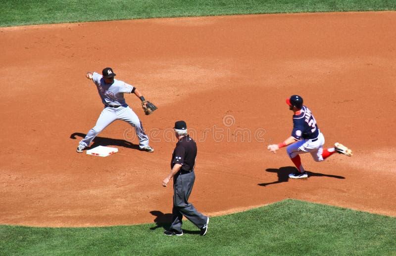 棒球-双杀的轮二! 图库摄影