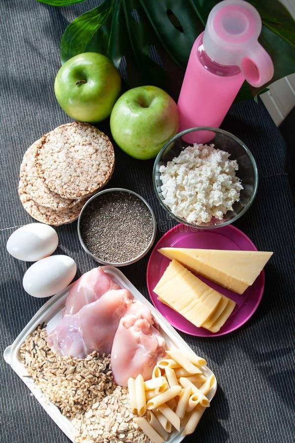 棒谷物节食健身 切细营养的题材和 免版税图库摄影