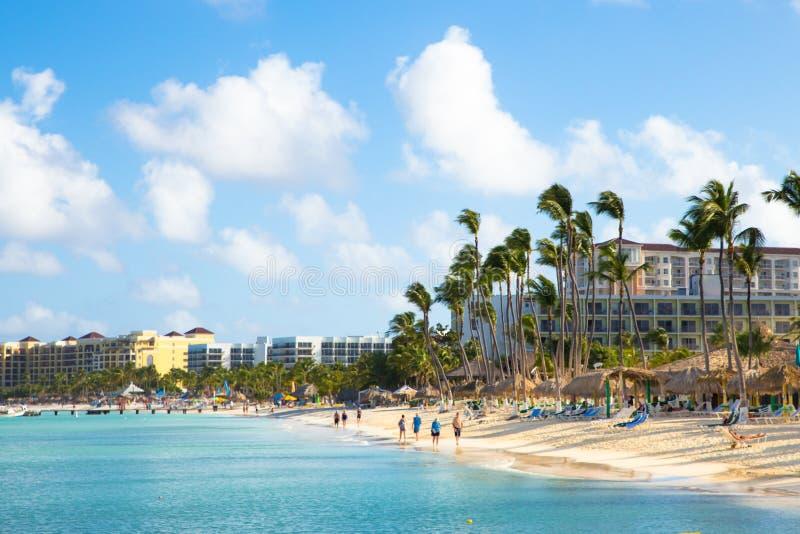 棕榈滩阿鲁巴海滩场面 免版税库存照片
