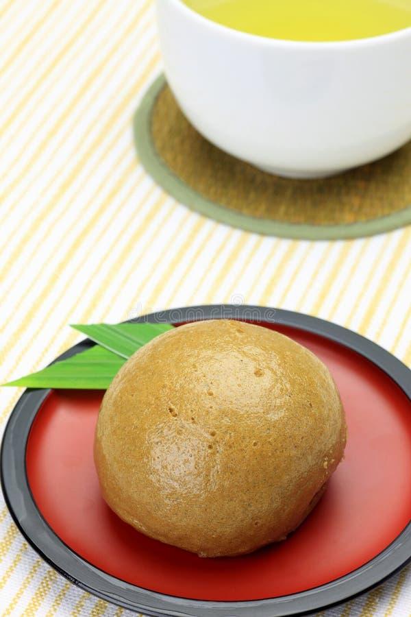 棕色小圆面包蒸的糖 图库摄影