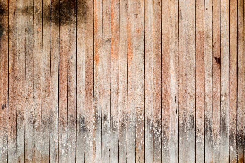 棕色木板条纹理背景,葡萄酒门 免版税库存照片