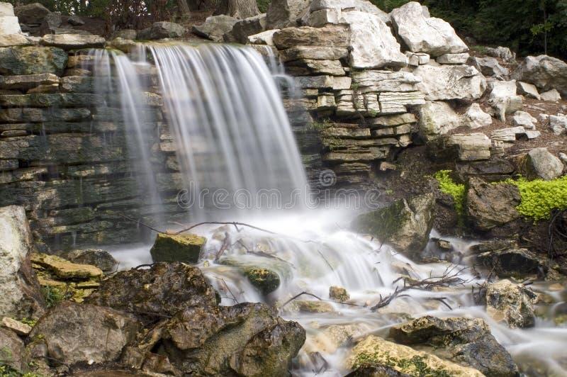森林公园瀑布 免版税库存照片
