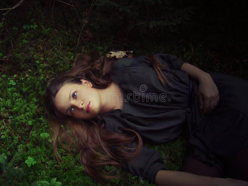森林女孩位于 库存照片