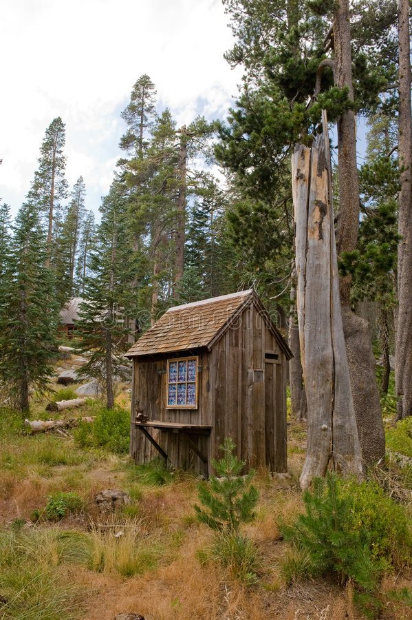 森林房子洗手间 免版税库存图片