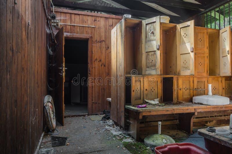 森林浴的更衣室 免版税库存照片