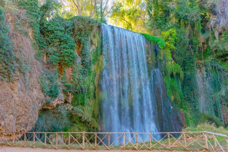 森林的瀑布在秋天III 库存照片