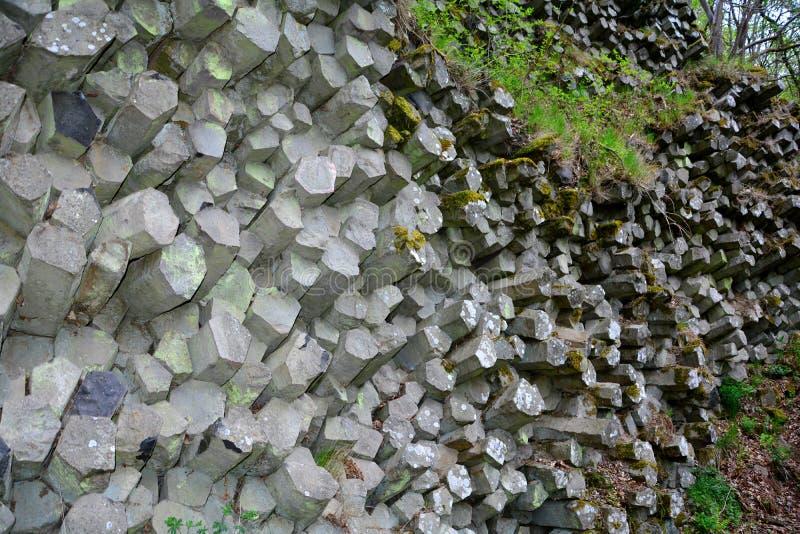棱镜墙壁-玄武岩专栏在巴伐利亚,德国 免版税库存图片