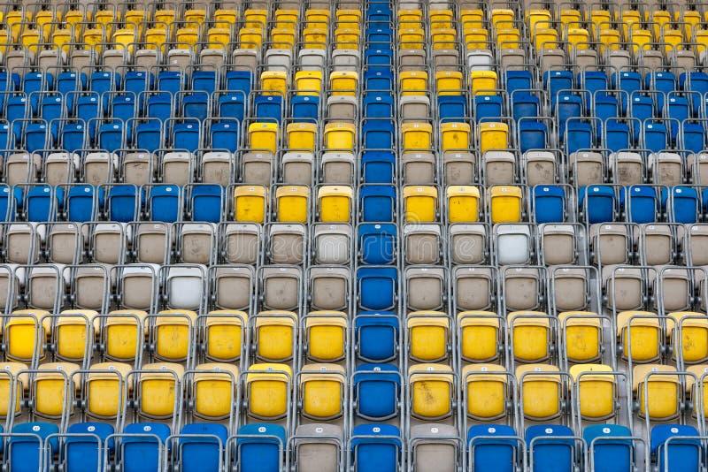 椅子倒空体育场 库存照片