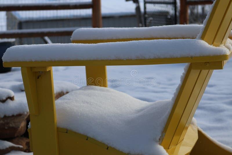 椅子在冬天 免版税图库摄影