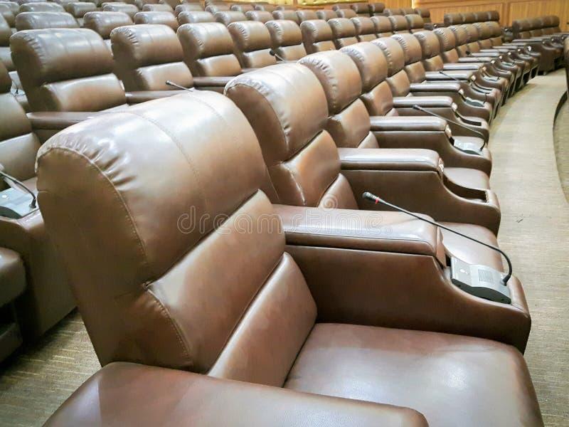 椅子在观众席 免版税库存照片