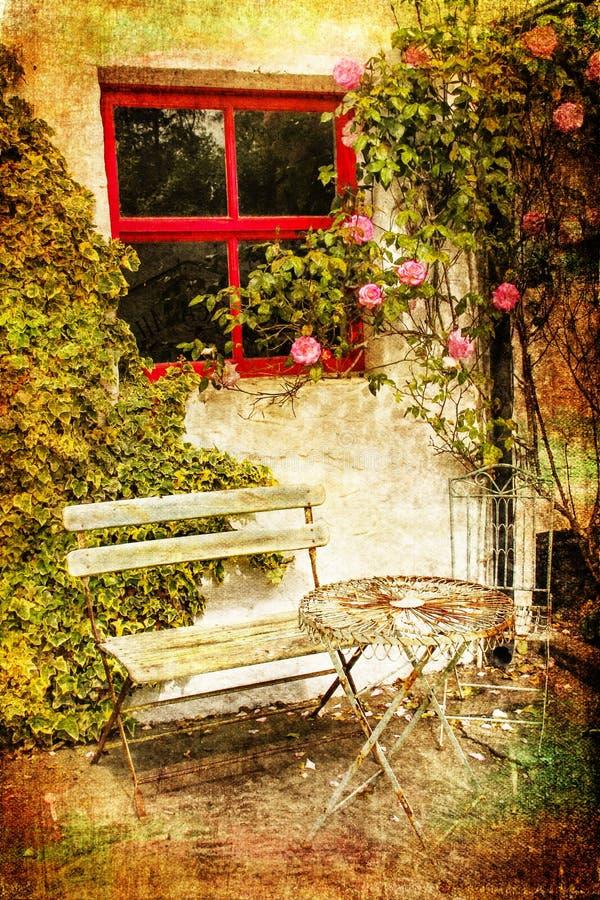 椅子庭院表 Avoca 爱尔兰 免版税库存图片