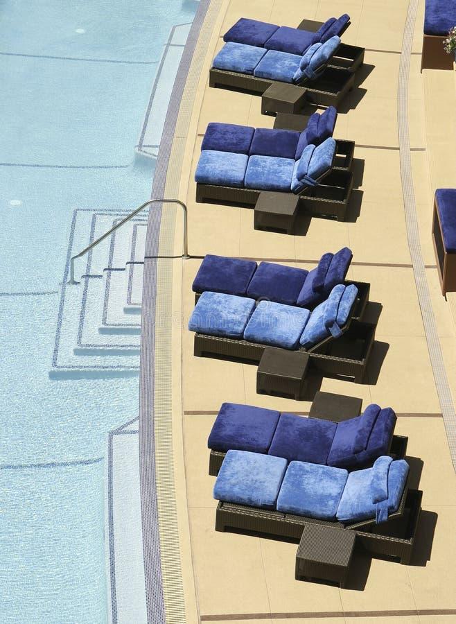 椅子池游泳 库存图片
