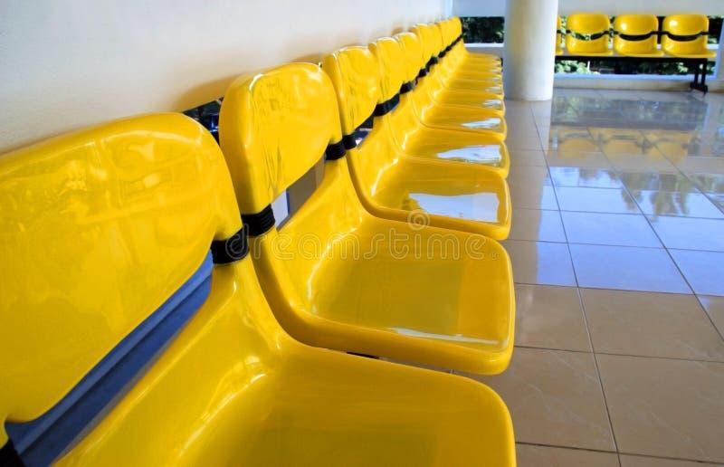 椅子黄色 免版税库存图片