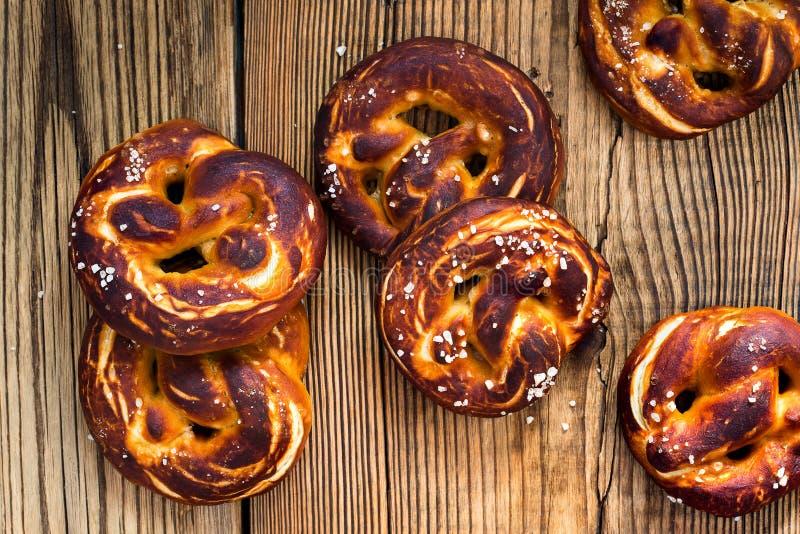 椒盐脆饼,传统德语被烘烤的面包 库存图片