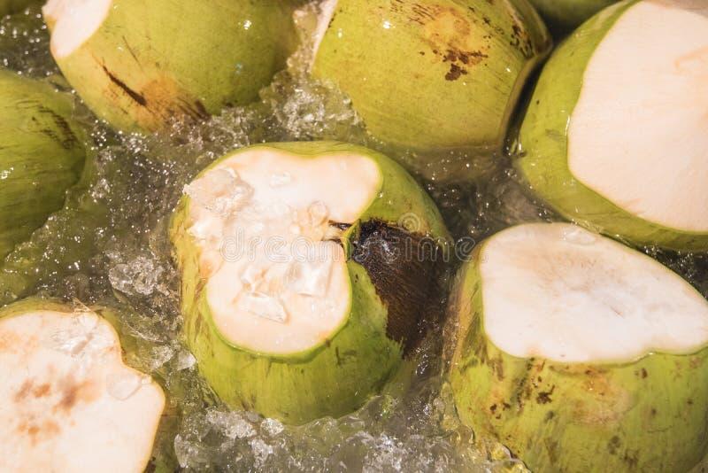 椰子准备服务在Tahailand 库存图片