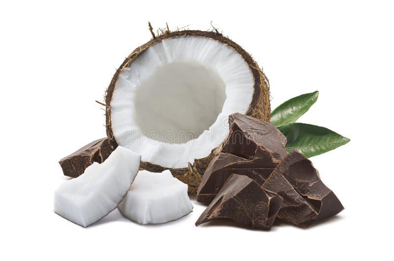 椰子巧克力在白色隔绝的绿色叶子 免版税图库摄影