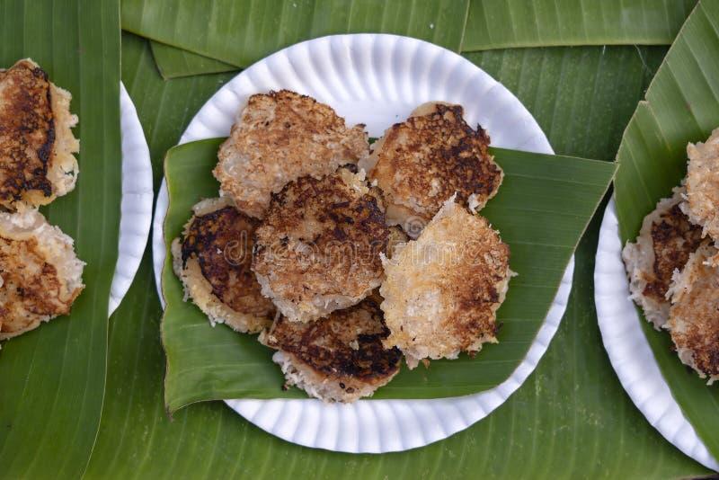 椰子米薄煎饼,椰子布丁是由米粉和椰奶或种类甜肉做的传统泰国点心在 库存照片