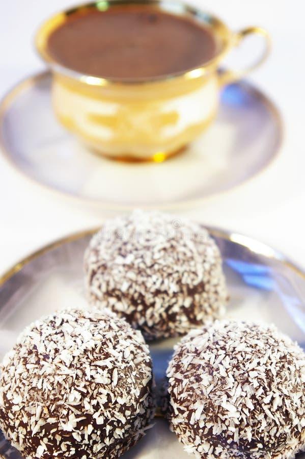 椰树咖啡杯甜点 免版税图库摄影