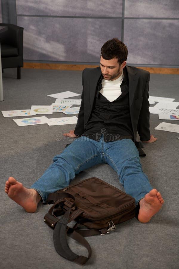 楼层办公室时髦工作者 免版税库存图片