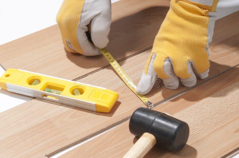 楼层安装木 库存图片