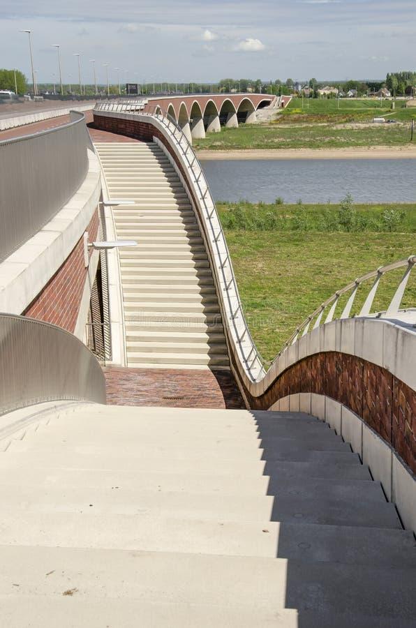 楼梯、桥梁和洪泛区 库存照片