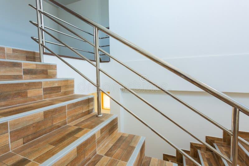楼梯在住宅房子里 图库摄影