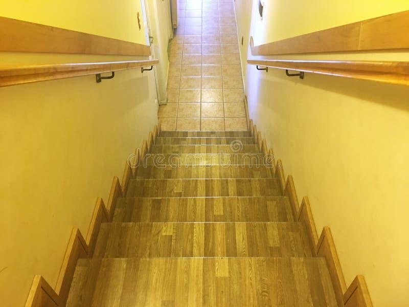 楼梯在圣地亚哥辣椒的一家旅馆里 图库摄影