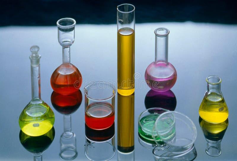 概念五颜六色的化学制品在实验室孟买 库存照片