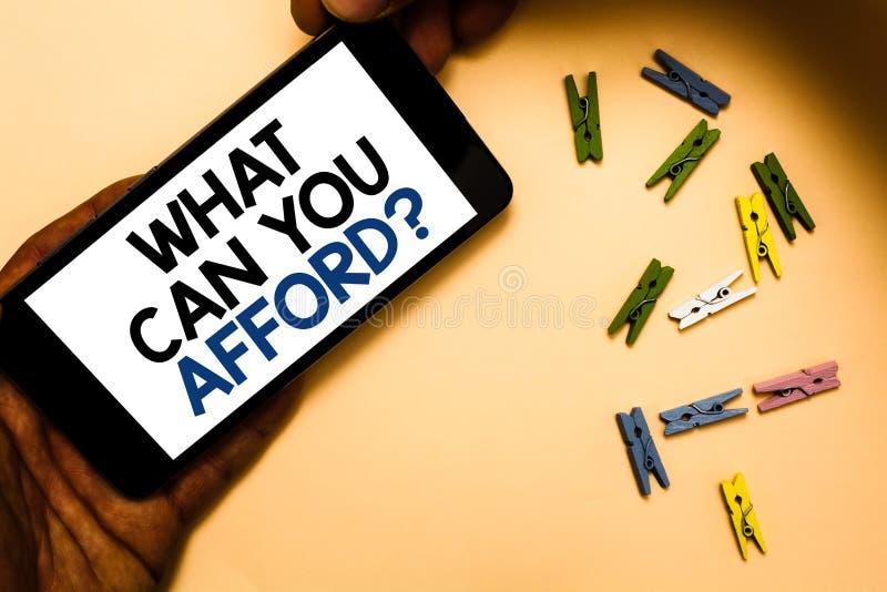 概念性手文字陈列什么可能您买得起问题 企业照片文本给我们您的金钱手h的预算可及性 库存照片