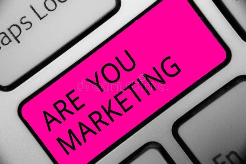 概念性手文字陈列是您营销 促进品牌产品销售的企业照片陈列的行动在市场上发短信 图库摄影