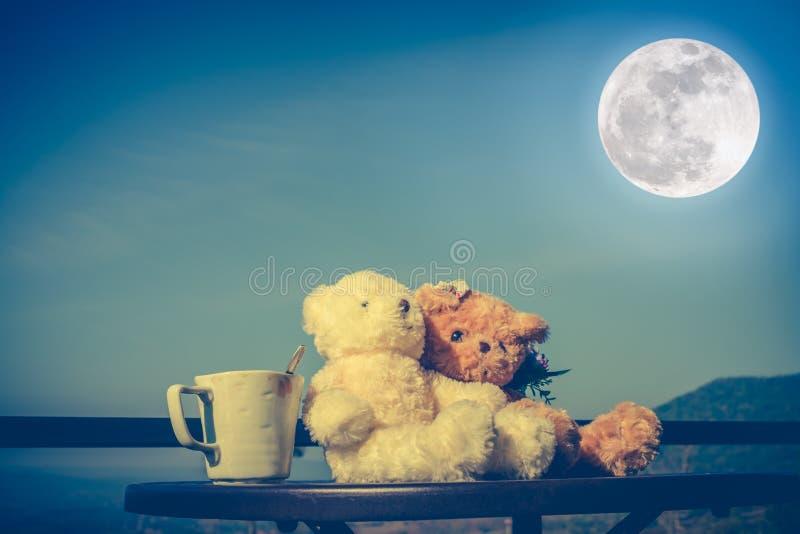 概念玩具熊valent的加上爱和关系 免版税图库摄影
