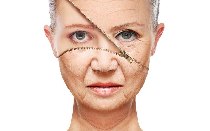 概念皮肤老化 防皱做法,回复,举,拉紧面部皮肤 图库摄影