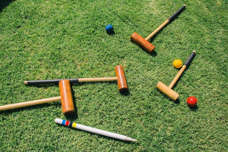 槌球集合在绿草说谎 免版税库存照片