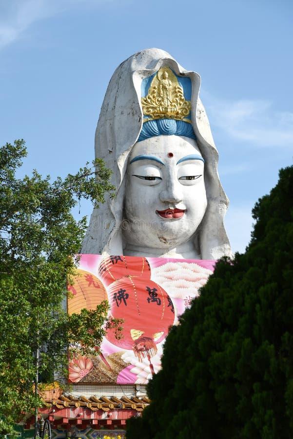 槟榔岛,马来西亚:在寺庙的观世音菩萨菩萨 库存照片