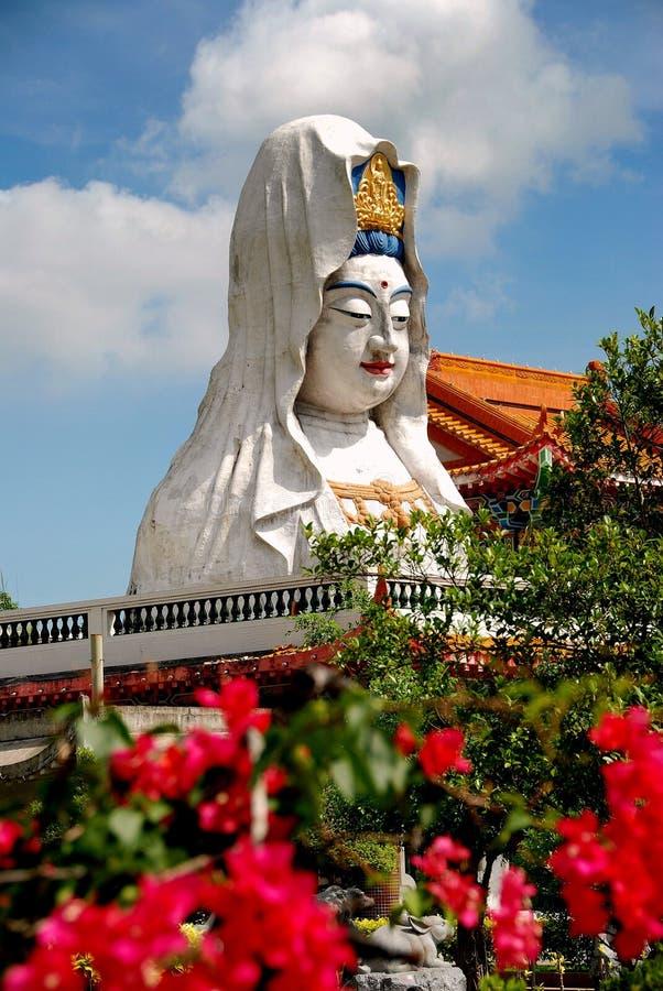槟榔岛,马来西亚:在寺庙的观世音菩萨菩萨 免版税库存图片
