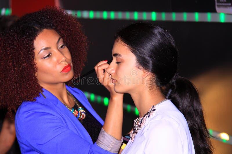 模型和后台化妆师 库存图片