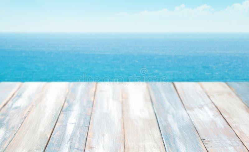 横向安排提供了海运夏天文本在向量之下 免版税库存照片