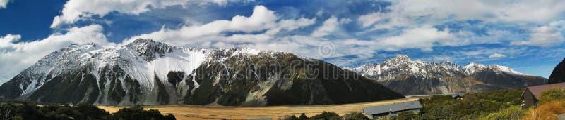 横向山新的风景西兰 库存照片