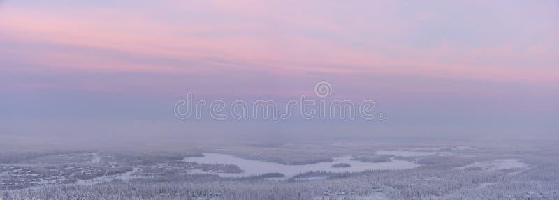 横向日落冬天 库存图片
