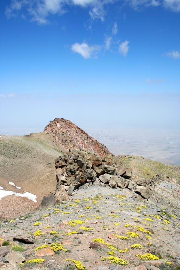 Download 横向 库存照片. 图片 包括有 岩石, 小山, 自然, 视图, 本质, 火鸡, 开花, 天空, 横向 - 22358826